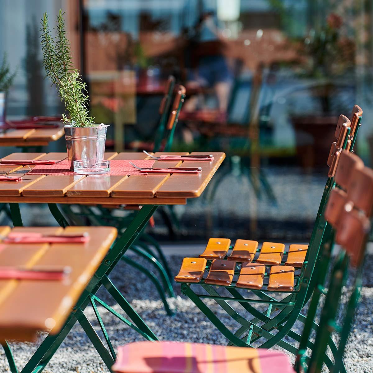 Sitzplatz im Gastgarten