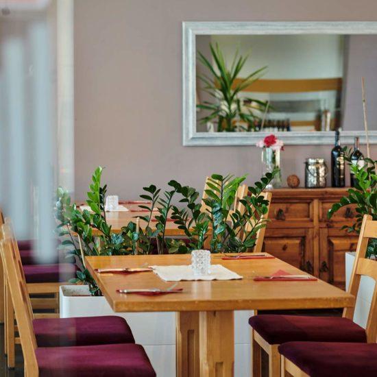 Tisch im Restaurant Pizzeria Olive